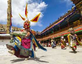 holiday packages to ladakh